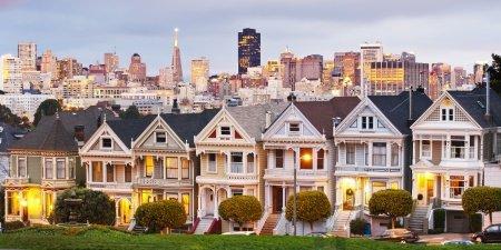 San Francisco row houses view skyline